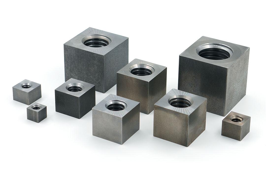 écrous trapézoïdaux acier carrés